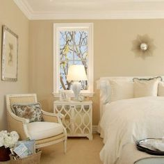 Benjamin Moore 233 Cream Fleece