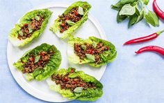 Salattacos med chilisauce