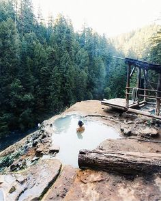 The Umpqua Hot Springs are a gem in the cental Cascades of Oregon. (  : @sndrvn taken by @robin1time) #GirlsBornToTravel ✈️