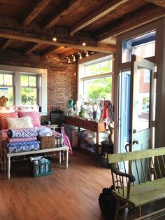 It has been two years sinceI moved up from NY to open my Newburyport jewelry store and the experience has been terrific. I opened my shop Pam Older DesignsinMay 2015 and I can sayit was…