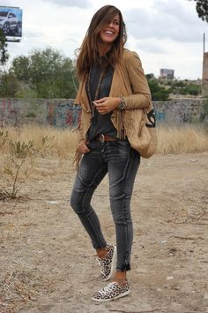 Casual street style, what to wear fall, country girls outfits, casual jeans, Autumn Fashion 2018, Fashion Over, Boho Fashion, Fashion Outfits, Womens Fashion, Fashion Trends, Country Fashion, Cheap Fashion, Affordable Fashion