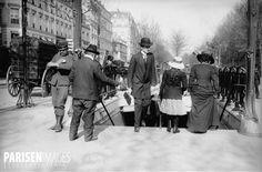 Une entrée de Métro à Paris, vers 1900-1910. Paris Metro, Old Paris, U Bahn, Paris Ville, Photos Du, France, Collection, Vintage, Cities