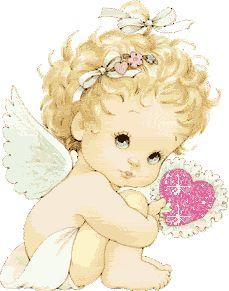 Bébé ange avec coeur dans la main