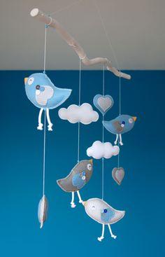 Handmade by JoHo - vogels van vilt aan tak - birds felt