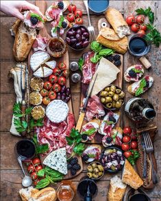 [CasaGiardino] ♛ This summer without fail...I am making this spread and going to devour it all by myself.