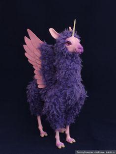 Крылатая лама-единорог / OOAK toys / Шопик. Продать купить куклу / Бэйбики. Куклы фото. Одежда для кукол Cute Fantasy Creatures, Cute Creatures, Magical Creatures, Mythological Creatures, Cute Toys, Designer Toys, Polymer Clay Art, Animal Sculptures, Kawaii Cute