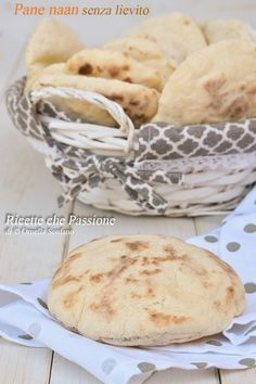 Naan bread without yeast, type Arabic bread but without leavening, fast in a pan Naan, Biscotti, Crepes, Sushi Co, Arabic Bread, Bread Without Yeast, Bread Recipes, Cooking Recipes, Indian Food Recipes