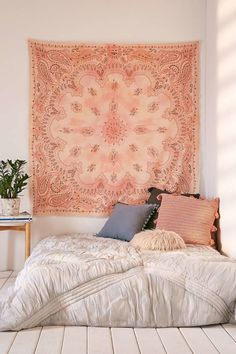 Billi Bandana Tapestry Urban Outfitters Soft cotton tapestry woven with a bandana print and soft self fringe Lightweight woven cotton this superversatile piece can be hu. Dream Rooms, Dream Bedroom, Peach Bedroom, Tapestry Bedroom, Wall Tapestry, Mandala Tapestry, Cute Dorm Rooms, Kids Rooms, Dorm Rooms Decorating