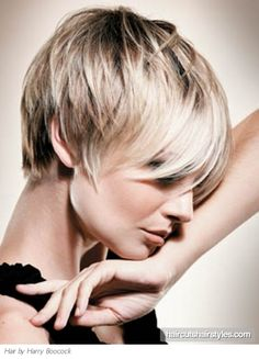 Stylish Short Layered Pixie Hair ~ Can you tell how much I love pixie cuts?