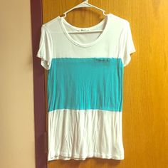 Color block Forever 21 tee Worn once. Very soft and breathable fabric. Forever 21 Tops Tees - Short Sleeve