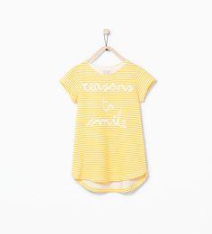 Image 1 de T-shirt à rayures et texte de Zara