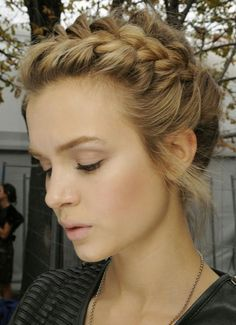 Daily News Updates: The idea of formal hairstyles for medium hair best
