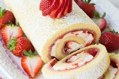 Strawberries and Cream Swiss Roll is a refreshing summer cake that is sure to impress and satisfy your guests! Strawberries and Cream Swiss Roll is a refreshing summer cake that is sure to impress and satisfy your guests! Köstliche Desserts, Delicious Desserts, Dessert Recipes, Yummy Food, Plated Desserts, Swiss Desserts, Dessert Ideas, Cake Ideas, Food Cakes