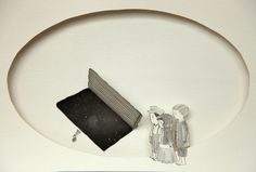 Thais Beltrame / Aquilo Que Vai Se Romper / Nanquim e aquarela sobre assemblage de papel - 2013 - 18 x 30 cm