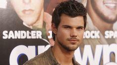 #Taylor #Lautner agaaaaiiiiiinnnnn <3<3