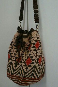 Diy Crochet And Knitting, Crochet Shoes, Crochet Purses, Crochet Bags, Tapestry Bag, Tapestry Crochet, Mochila Crochet, Ethnic Bag, Basket Bag