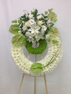Flower Wreath Funeral, Funeral Flowers, Funeral Floral Arrangements, Modern Flower Arrangements, Diy Wreath, Wreaths, Angel Wings Decor, Casket Sprays, Funeral Memorial