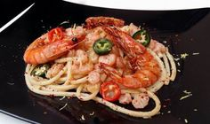 forrás: Király Zoltán Shrimp, Chili, Spaghetti, Meat, Ethnic Recipes, Food, Chile, Chilis, Eten