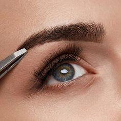 #EyebrowShaping #EyebrowsOnFleek #EyebrowTweezing