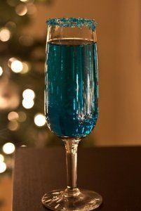 Signature Cocktail: Blue Sparkling Star