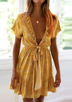 Ruffled Chest Knotted V-Neck Small Floral Strap Dress – ebuytide Casual Dresses for women casual dresses for summer casual dresses modest casual dresses boho casual dresses for work Girls Spring Dresses, Modest Dresses, Simple Dresses, Spring Outfits, Cute Dresses, Casual Dresses, Fashion Dresses, Dresses For Work, Maxi Dresses