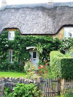 Cottage garden  ~ Great pin! For Oahu architectural design visit http://ownerbuiltdesign.com