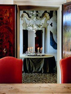 Axel Vervoordt 's house , Venice , Italy