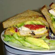 Sandwich de pollo, palta y panceta dorada receta - Recetas de Allrecipes