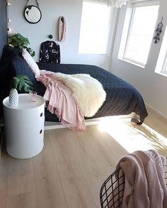Instagram media by interiorbyjeanetteleikvoll - [ GOOD NIGHT ] 🌸 . . Stay tuned for Batman birthday party, for my baby boy on IG story 😂🎈 . . . . . . . . . . . . . #instagram #decoração #decoraçãodeinteriores #insta #instalove #interior125 #interiordesign #whiteinterior #interiorforinspo #fashion #fashionaddict #fashionselection #interior9508 #bedroominspo #bedroomdecor #bedrooms #bedroominspiration #bedroom #ourluxuryhome #interiorwarrior #insponstagram #charminghomes #escandinavo…
