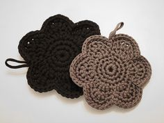 Crafts To Do, Hobbies And Crafts, Fun Projects, Crochet Projects, Marimekko, Diy Gifts, Pot Holders, Knit Crochet, Crochet Earrings