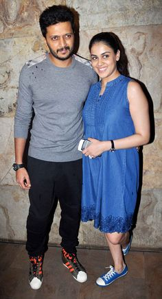 Riteish Deshmukh with wife Genelia D'Souza Deshmukh at the screening of 'Bobby Jasoos'. Frock Fashion, Denim Fashion, Star Fashion, Indian Fashion, Fashion Beauty, Bollywood Couples, Bollywood Girls, Bollywood Fashion, Celebrity Couples
