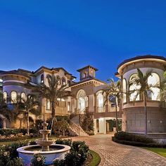 House dream exterior luxury architecture for 2019 Mansion Homes, Dream Mansion, Dream Home Design, My Dream Home, Dream Homes, Future House, My House, Extravagant Homes, Big Houses