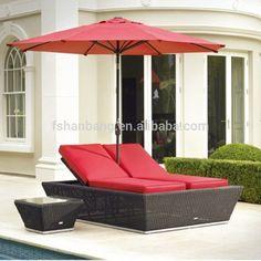 Outdoor muebles del patio de mimbre tumbona doble toldo sol cama conjunto con el paraguas