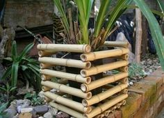 Bamboo trellis - 19 Interesting Ways To Use Bamboo Around Your House Bamboo Trellis, Bamboo Planter, Bamboo Art, Bamboo Crafts, Bamboo Fence, Garden Trellis, Bamboo Ideas, Bamboo Garden Ideas, Palette Deco