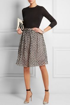 Love A-Line skirts for their ability to hide all manner of lower body sins. Accentuates a skinny waist Mode Chic, Mode Style, Office Fashion, Work Fashion, Look Formal, Insta Look, Cotton Skirt, Looks Style, Work Attire
