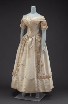 Wedding dress in two parts (bodice), dated about 1840, United States. MFA # 50.2364a. Multiple views available.