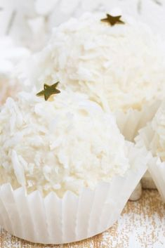 These coconut squish cakes are the quickest, easiest cakes ever that involve NO baking!