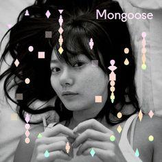 """【CD】【送料込】Mongoose(マングース) - Girlfriend   実力派ポップロックバンド、Mongoose(マングース)のミニアルバム『Girlfriend』!   Mongoose(マングース)は2004年に「Early Hits Of The Mongoose」でデビューして以来、すでに4枚のアルバムをリリースしている3人組のバンドだ。ポップなシンセサウンドが人気だが、Lo-Fiからビンテージまでをこなす実力も持っている。ミニアルバム『Girlfriend』は、題名通り「ガールフレンド」がテーマ。メンバー全員の""""理想のガールフレンド""""としてペ・ドゥナの名前が挙がったことからアルバムジャケットに起用されている。メイントラックの「ボヘミアンガールフレンド」は、テクノ感とキャッチーなメロディーが調和した曲。『Girlfriend』の全6曲はすべて男の子の視点から""""彼女""""への気持ちを歌ったものだ。このほか、ポップなビートが心地よい「君よ」、「7時間差恋愛」、80年代風歌謡曲の「そう君はでも僕は」、「秘密のキス」など、全6曲が収録されている。"""