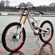 YT Tues Limited Edtion (via Chain Reaction Cycles) Mtb Enduro, Freeride Mtb, Mt Bike, Cruiser Bicycle, Fully Bike, Tern Bike, Vtt Dirt, Monocycle, Sport Bikes