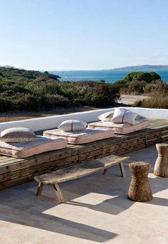 Sieste sur la terrasse Have a rest + sea + sun + patio + terrace Outdoor Seating, Outdoor Rooms, Outdoor Living, Outdoor Decor, Rustic Outdoor, Lounge Seating, Outdoor Cushions, Villa Design, Exterior Design
