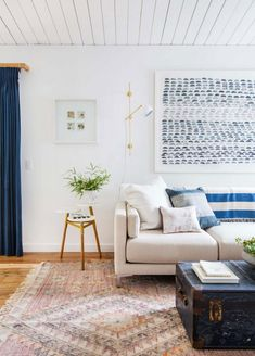 Blue and white living room interior inspiration