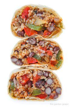 Black Bean + Quinoa Fajita Burrito Vegan Black Bean Recipes, Vegan Mexican Recipes, Vegan Recipes Easy, Whole Food Recipes, Ethnic Recipes, Fajita Vegetables, Veggies, Make Taco Seasoning, Black Bean Quinoa