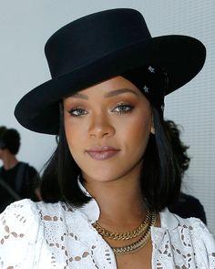 Rihanna Working A Sleek Bob- ellemag