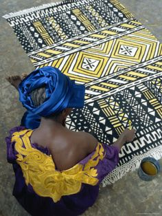 Cotton Rug Making, Craft Workshop of Bogolan, Segou, Mali Photographic Print by Bruno Morandi African Textiles, African Fabric, African Rugs, African Patterns, African Prints, African Beauty, African Fashion, Textile Patterns, Textile Art