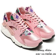 new product df076 89062 for sneakers Nike WMNS Air Huarache Run Print Floral Pale Pink Flowers Club  Purple