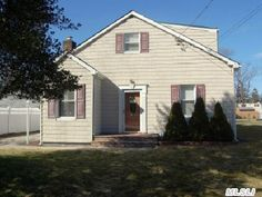 Islip Terrace! Great buy! Cedar Perfection Vinyl Siding. 3 Br, 2 Bath