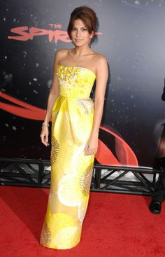 Beauties in Blass: The 12 Best Red-Carpet Moments from Bill Blass – Vogue - Eva Mendes