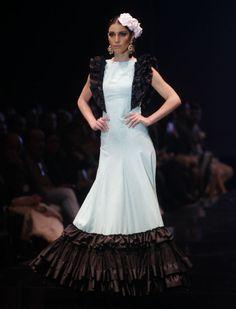 «Mujer de las mil batallas» es la colección de moda flamenca de Patricia Bazarot en Simof 2016. Raúl Doblado