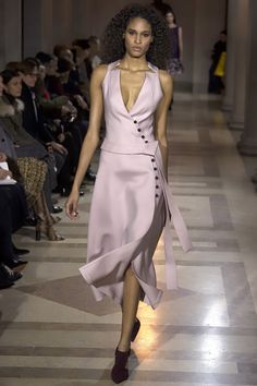 Carolina Herrera Fall 2016 Ready-to-Wear Fashion Show - Cindy Bruna