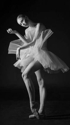 Zlata Yalinich-Marinsky Ballet- Photo Darian Volkova